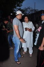 Dolly Bindra at Pratyusha Banerjee_s funeral on 2nd April 2016 (75)_5700c29233373.JPG