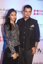 Nachiket Barve at Knight Frank Event association with Anmol Jewellers in Mumbai on 2nd April 2016 (43)_5700c3357545b.JPG