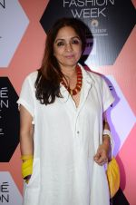 Neena Gupta on Day 4 at Lakme Fashion Week 2016 on 2nd April 2016 (183)_57012fadecd3b.JPG