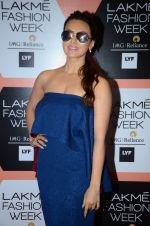 Sana Khan on Day 4 at Lakme Fashion Week 2016 on 2nd April 2016 (93)_57013026292f2.JPG