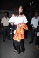 Sonakshi Sinha snapped leaving a club at Lower Parel on 2nd April 2016 (9)_5700c23e1f97a.JPG