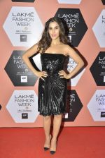 Sophie Chaudhary on Day 4 at Lakme Fashion Week 2016 on 2nd April 2016 (29)_57013097b3fe6.JPG