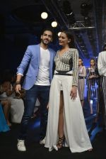 Amy Jackson at the Karan Malhotra Show at Lakme Fashion Week on 3rd April 2016  (329)_570247a86ffd7.JPG