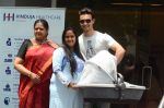 Arpita Khan leaves hospital with baby on 5th April 2016 (10)_5704eda54232d.JPG