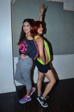 Pallavi Sharda at her Zumba dance routine class on 5th April 2016 (12)_5704ee20183c8.JPG