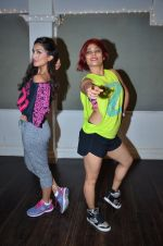 Pallavi Sharda at her Zumba dance routine class on 5th April 2016 (11)_5704ee1f557db.JPG