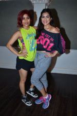 Pallavi Sharda at her Zumba dance routine class on 5th April 2016 (4)_5704ee176c438.JPG