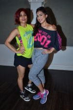 Pallavi Sharda at her Zumba dance routine class on 5th April 2016 (5)_5704ee186545f.JPG