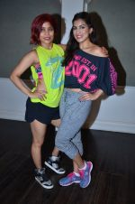 Pallavi Sharda at her Zumba dance routine class on 5th April 2016 (7)_5704ee19d011e.JPG