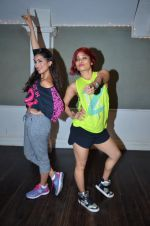 Pallavi Sharda at her Zumba dance routine class on 5th April 2016 (9)_5704ee1c373f4.JPG