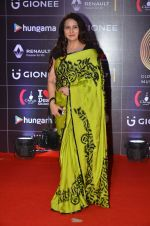 Poonam Dhillon at GIMA Awards 2016 on 6th April 2016 (83)_570642ba143ee.JPG