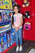 Ruhanika Dhawan  at Simba Toys Shop in Mumbai on 6th April 2016 (1)_57062dc25f9cb.JPG
