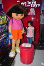 Ruhanika Dhawan  at Simba Toys Shop in Mumbai on 6th April 2016 (2)_57062dc379526.JPG