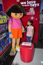 Ruhanika Dhawan  at Simba Toys Shop in Mumbai on 6th April 2016 (3)_57062dc483f09.JPG