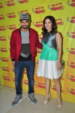Tanuj Virwani and Sunny leone at Radio Mirchi on 6th April 2016