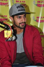 Tanuj Virwani at Radio Mirchi on 6th April 2016