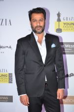 Abhishek Kapoor at Grazia Young Fashion Awards 2016 Red Carpet on 7th April 2016 (122)_5708e387a4785.JPG