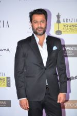 Abhishek Kapoor at Grazia Young Fashion Awards 2016 Red Carpet on 7th April 2016 (126)_5708e38a52876.JPG
