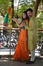Anjana Sukhani, Swapnil Joshi at Gudi Padwa photo shoot on 7th April 2016 (11)_5708e061a0108.JPG