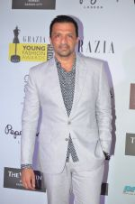 Atul Kasbekar at Grazia Young Fashion Awards 2016 Red Carpet on 7th April 2016 (149)_5708e4221ca02.JPG