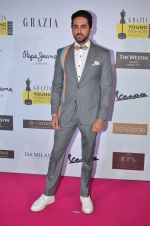 Ayushmann Khurrana at Grazia Young Fashion Awards 2016 Red Carpet on 7th April 2016 (160)_5708e436d83c1.JPG