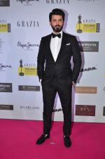 Fawad Khan at Grazia Young Fashion Awards 2016 Red Carpet on 7th April 2016 (196)_5708e443ae874.JPG