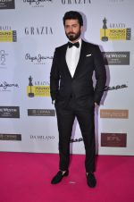 Fawad Khan at Grazia Young Fashion Awards 2016 Red Carpet on 7th April 2016 (198)_5708e4454d580.JPG