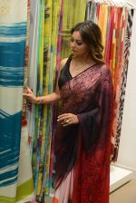 Gauri khan in delhi for satya paul on 8th April 2016 (18)_5708e0f98e352.jpg