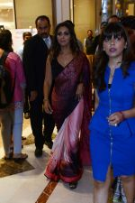 Gauri khan in delhi for satya paul on 8th April 2016 (3)_5708e0eb7f14e.jpg