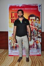 Akshay Oberoi at Laal Rang film promotions in Mumbai on 9th April 2016 (15)_570a3d694e146.JPG