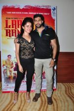 Akshay Oberoi, Piaa Bajpai at Laal Rang film promotions in Mumbai on 9th April 2016 (11)_570a3e4e34565.JPG