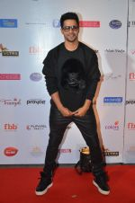 Varun Dhawan at Femina Miss India red carpet on 9th April 2016