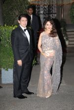 Madhuri Dixit, Sriram Nene at the Royal dinner by Prince William & Kate Middleton on 10th April 2016 (131)_570ba7fe8b7f8.JPG