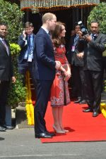 Prince William & Kate Middleton arrive in Mumbai on 10th April 2016 (12)_570b881e2a299.JPG