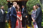 Prince William & Kate Middleton arrive in Mumbai on 10th April 2016 (14)_570b881eb536b.JPG
