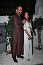 Kabir Bedi, Parveen Dusanj at the Success bash of the film Ki & Ka in Olive on 11th April 2016 (51)_570ccd390ca3c.JPG
