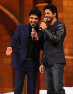 Shahrukh Khan Shoots with Kapil Sharma for The Kapil Sharma Show on 11th April 2016 (5)_570cc4c388e67.JPG