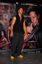 Tiger Shroff at Baaghi film promotions on 13th April 2016 (120)_570f3f94acba6.JPG