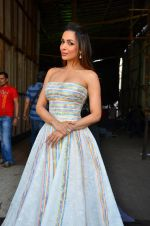 Malaika Arora Khan snapped in Mumbai on 15th April 2016 (1)_571210e44d62e.JPG