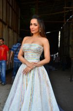 Malaika Arora Khan snapped in Mumbai on 15th April 2016 (16)_571210ee18360.JPG