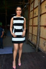 Shraddha Kapoor snapped on 15th April 2016 (4)_571211b00d1e3.JPG