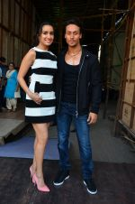 Tiger Shroff and Shraddha Kapoor snapped on 15th April 2016 (15)_571211ff3ed28.JPG