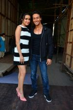 Tiger Shroff and Shraddha Kapoor snapped on 15th April 2016 (16)_571211cac6a38.JPG