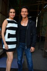 Tiger Shroff and Shraddha Kapoor snapped on 15th April 2016 (5)_571212a43e771.JPG
