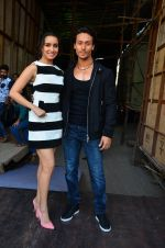 Tiger Shroff and Shraddha Kapoor snapped on 15th April 2016 (7)_571211f627c4c.JPG