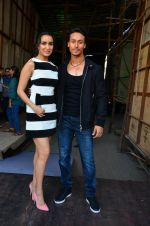 Tiger Shroff and Shraddha Kapoor snapped on 15th April 2016 (9)_571211f83ee42.JPG