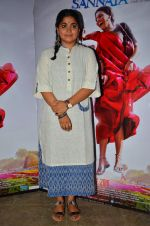 Ashwini Iyer Tiwari snapped at the promotion of Nil Battey Sannata on 16th April 2016 (13)_5713a79c93638.JPG