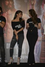 Kareena Kapoor, Alia Bhatt at Udta Punjab trailer launch on 16th April 2016