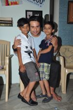 Krishna Abhishek film on location of Full 2 Jugadu on 17th April 2016 (1)_5714763fa9c4e.JPG