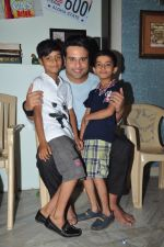Krishna Abhishek film on location of Full 2 Jugadu on 17th April 2016 (25)_571476f778db1.JPG